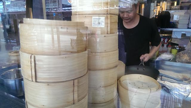 Bamboo steamers at Chegs Gallery Chinese Restaurant